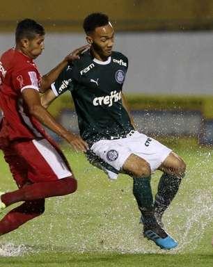 Palmeiras toma susto, mas vence o União-MT na estreia