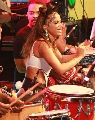 Anitta comanda a folia no Camarote Skol em Salvador