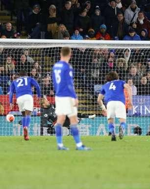 Jesus marca no fim, City vence e se distancia do Leicester