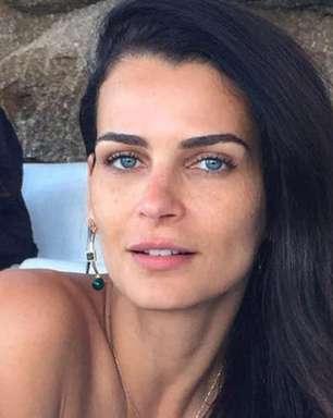 Fernanda Motta recebe bronca por causa de look em camarote