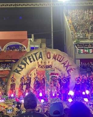 """Grande Rio promete desfilar """"enredo raiz"""" em 2021"""