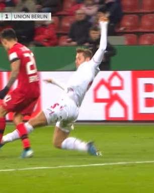 DFB Pokal: Leverkusen vence e avança às semis