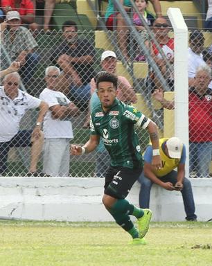 Em jogo sonolento, Coritiba vence o PSTC pelo Campeonato Paranaense