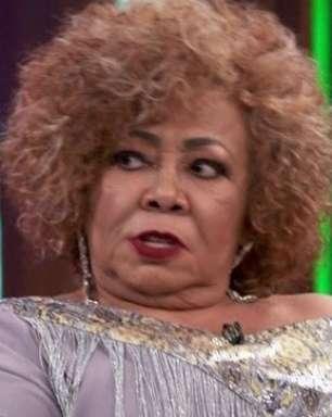 Alcione comete gafe na Globo e fala bem da concorrência