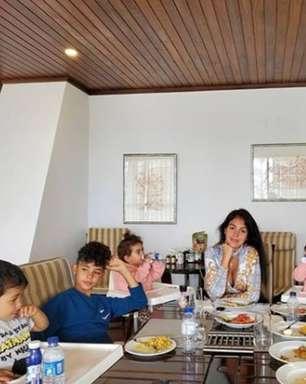 Cristiano Ronaldo festeja Páscoa ao lado da mulher e dos quatro filhos