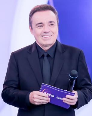 Ator de 'Totalmente Demais' será Gugu em série sobre Silvio