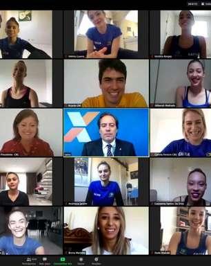 Atletas de ginástica rítmica fazem treino online aberto para o público