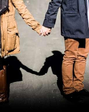 Amor supera isolamento social e forma casais na quarentena
