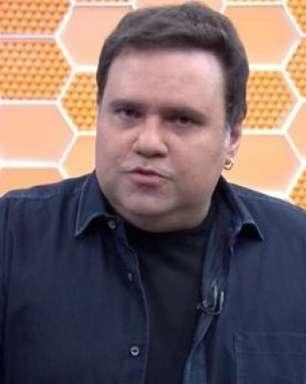 Apresentador Rodrigo Rodrigues é internado com Covid-19