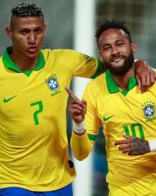 Com 3 gols de Neymar, Brasil vira sobre Peru em jogo tenso