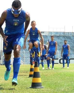 Jogadores do São Caetano denunciam clube por atraso de pagamentos