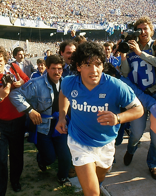 Maradona completa 60 anos e recebe homenagens do mundo todo