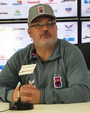 Paraná apresenta seu novo técnico, Rogério Micale