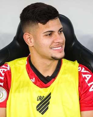 Tite convoca Bruno Guimarães para a vaga de Casemiro