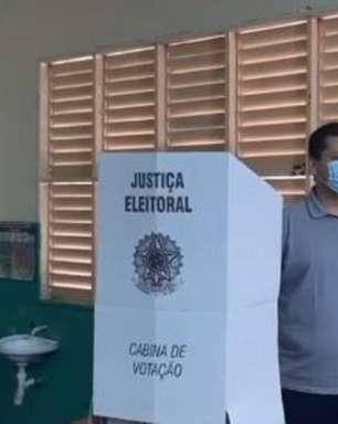 Davi Alcolumbre vota em Macapá e fala de 'tranquilidade' no processo eleitoral