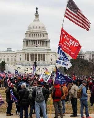 De dentro do Congresso americano, tuítes relatam tensão e 'anarquia'