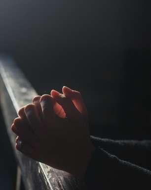 Oração para se livrar da energia negativa de antepassados