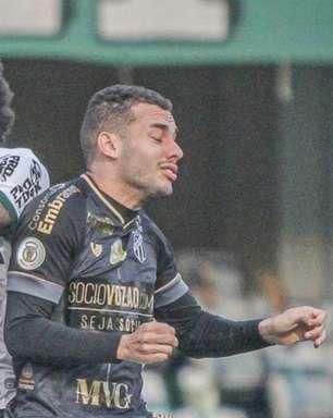 Com gols de Felipe Vizeu e Saulo, Ceará bate o Coritiba e garante vaga na Sul-Americana
