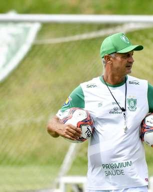 Por que o futebol ainda não parou no Brasil?