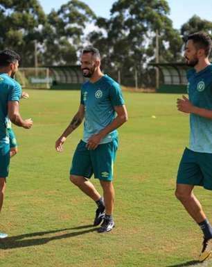 Anselmo Ramon elogia elenco da Chapecoense e espera grande ano no clube