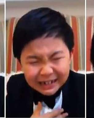 Choro de ator mirim comove apresentadora de premiação na TV