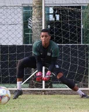 Cria da base e 'manezinho' da ilha: conheça o goleiro recém-promovido no Figueirense