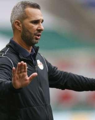 Preparador físico Reverson Pimentel deixa o Bragantino para acertar com o Grêmio
