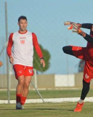 Edson Mardden quer ano perfeito no CRB e foca em duelo com o Goianésia pela Copa do Brasil