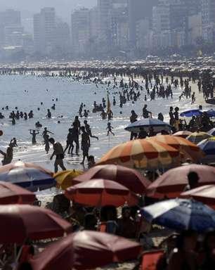 Rio de Janeiro libera praias e acaba com toque de recolher