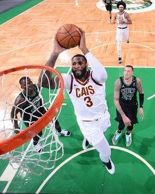 """Frank Vogel: """"Drummond é um dos melhores pivôs da NBA"""""""