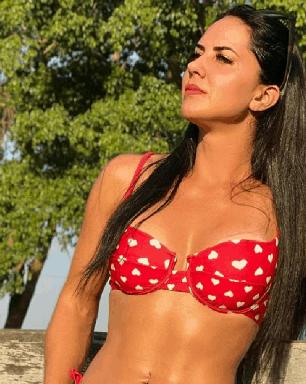 Graciele Lacerda aparece pensativa em foto e deixa conselhos aos fãs