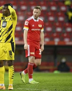 Jovem atacante do Dortmund está fora da temporada