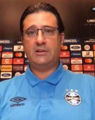 """GRÊMIO: Médico do clube atualiza sobre situação de Renato Gaúcho: """"Está assintomático e se sentindo muito bem"""""""