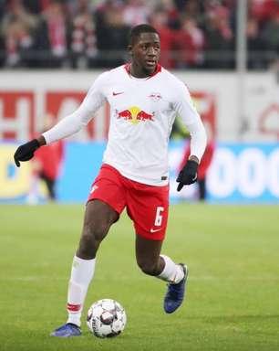 Liverpool está próximo de fechar contratação de zagueiro do Leipzig