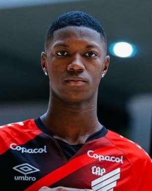 Athletico oficializa a chegada de Matheus Babi, do Botafogo