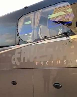 Ônibus do Real Madrid é atacado por torcedores do Liverpool na chegada a Anfield