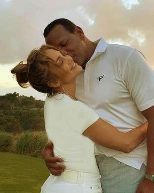 Jennifer Lopez encerra noivado com astro de beisebol