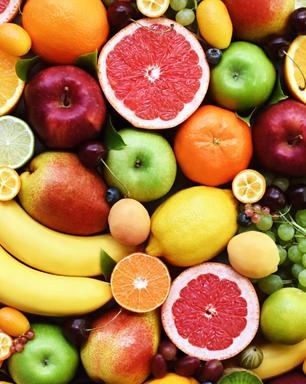 Precisando de ajuda no amor? Confira 5 simpatias com frutas para se dar bem