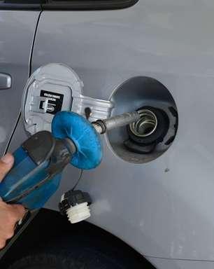 Gasolina e etanol ficaram mais baratos no início de abril, aponta pesquisa