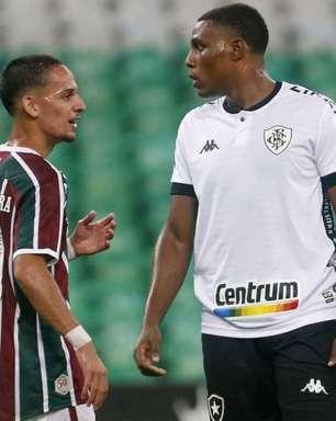 Gabriel, do Botafogo, comemora estreia no profissional: 'Data que ficará marcada na minha vida'