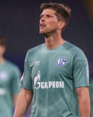 Schalke 04 perde para o Arminia e é rebaixado para a segunda divisão alemã depois de 33 anos na elite