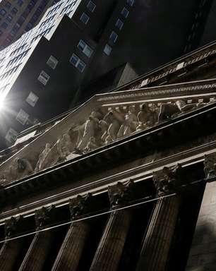 S&P 500 e Dow recuam com foco em balanços de tecnologia