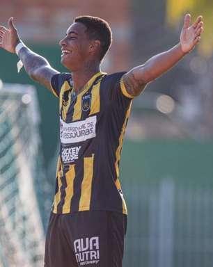 Artilheiro do Carioca revela sonho de voltar ao Santos