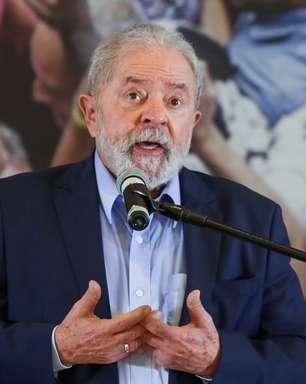 Lula e Ciro adotam estética de campanha em 1º de Maio