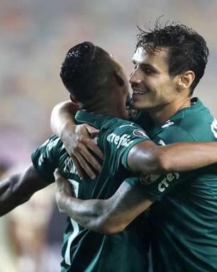 Palmeiras vence o Universitario com gol no último minuto