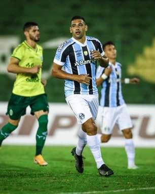 Grêmio vence Ypiranga e fica em primeiro no Gaúcho