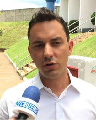 Com Diego Cerri perto do Grêmio, Santos avalia nomes e Klauss Câmara é cotado