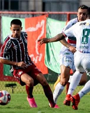Respaldado por Roger, Gabriel Teixeira se destaca entre os reservas e ressalta concorrência na ponta
