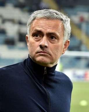 Roma anuncia José Mourinho como novo técnico