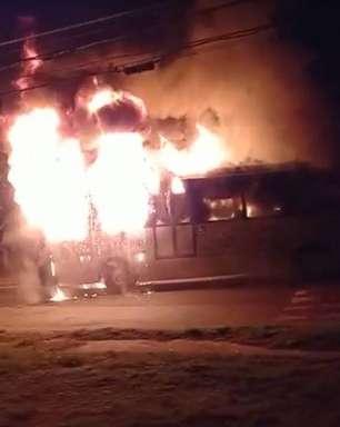 Após assassinato de jovem negro, moradores incendiam ônibus em Sorocaba